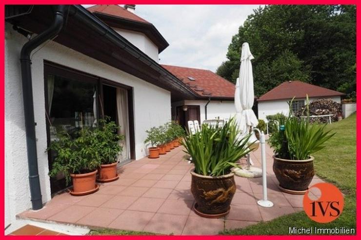 Bild 3: ** Repräsentativ ** Luxuriöse Villa mit großem Süd-Grundstück und Doppelgarage Nähe ...