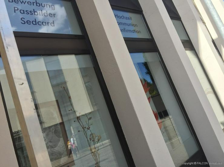 Geschäfts-/Einzelhandelsfläche im Zentrum von Schwabach mit großen Schaufenstern - Gewerbeimmobilie mieten - Bild 1