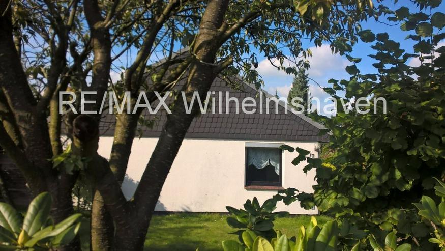 Bild 5: RE/MAX bietet an: gepflegter Bungalow in Jever