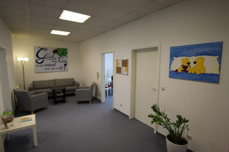 Bild 3: Moderne Büro-/ Praxisflächen mitten in Feuerbach - Ärzte willkommen. 2 Stellplätze, Au...