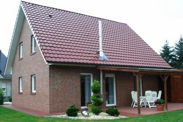 Bild 2: Neuwertiges, topgepflegtes Einfamilienhaus in einer familienfreundlichen Wohnlage in Molbe...
