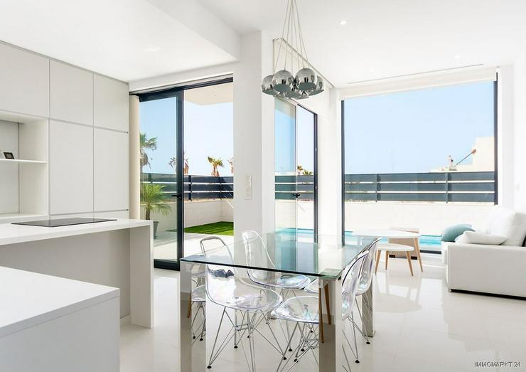 Bild 6: Moderne und exklusive 4-Zimmer-Villen in abgeschlossener Anlage