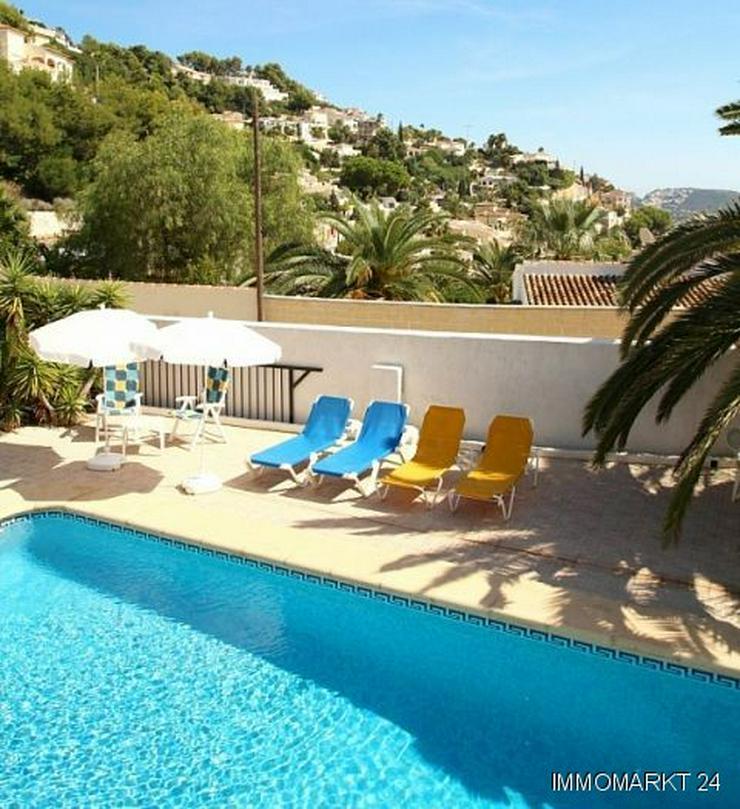 Bild 4: Gepflegte Villa mit Pool und Panoramablick