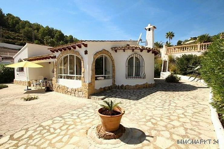 Gepflegte Villa mit Pool und Panoramablick - Haus kaufen - Bild 1