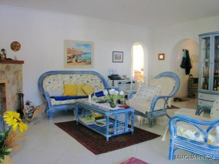 Bild 2: Villa mit Pool und Gästeappartement