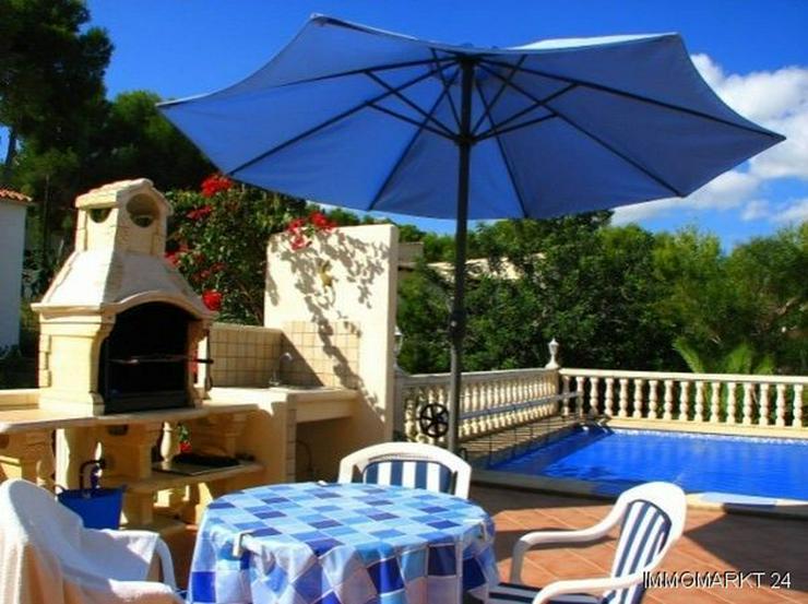Bild 3: Villa mit Pool und Gästeappartement