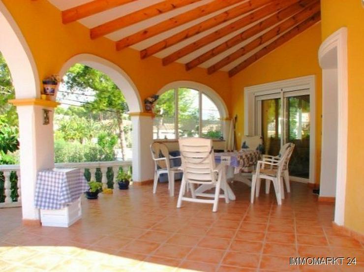 Bild 5: Villa mit Pool und Gästeappartement