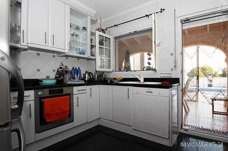 Bild 5: Komfortable Villa mit Meerblick in Benimeit