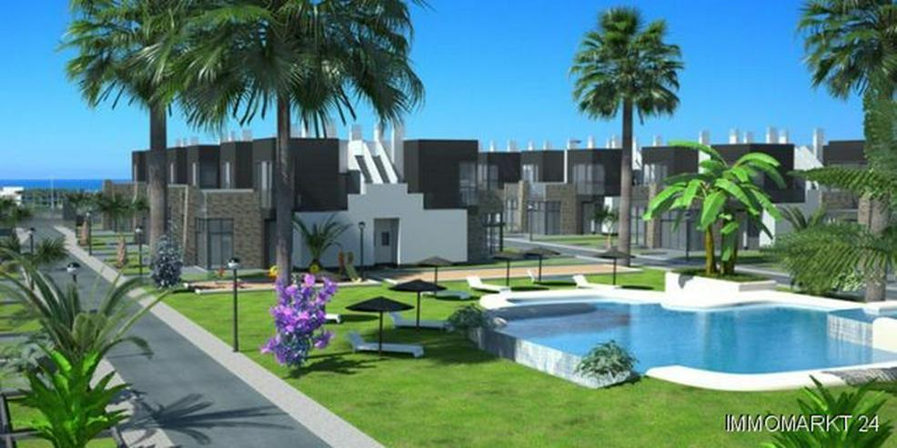 Moderne 2-Schlafzimmer-Quattrohäuser in abgeschlossener Anlage - Haus kaufen - Bild 1