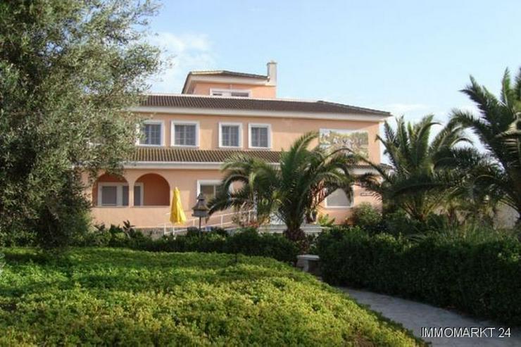 Exklusives Landhaus geeignet als Reiterhof und Pension - Bild 1