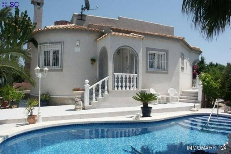 Exklusive Villa mit Pool und großem Keller - Haus kaufen - Bild 1