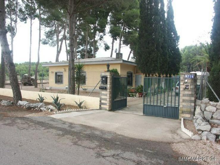 Landhaus-Villa mit sehr schönem Ausblick - Bild 1