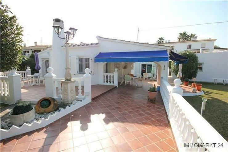 Großzügige Villa mit Doppelgarage und sep. Baugrundstück nur 150 Meter vom Meer - Haus kaufen - Bild 1