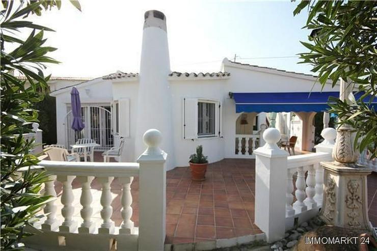 Bild 3: Großzügige Villa mit Doppelgarage und sep. Baugrundstück nur 150 Meter vom Meer