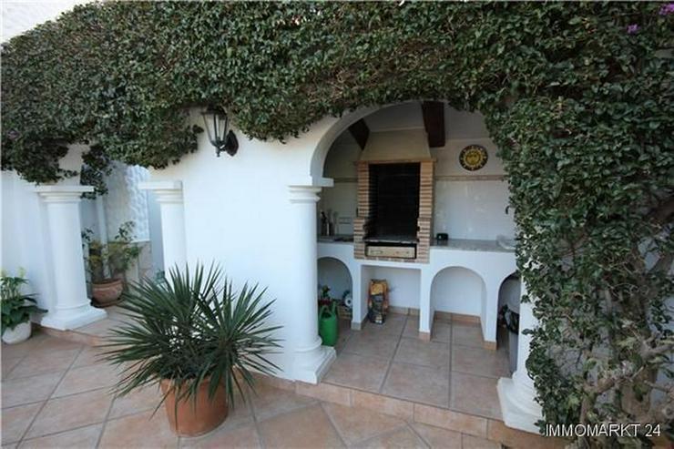 Bild 3: Villa mit Gästeappartement, Pool, Jacuzzi, Sauna und Garage