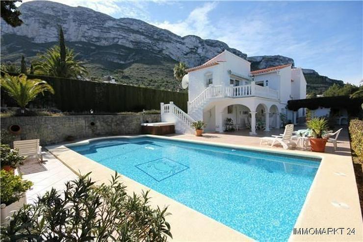 Bild 2: Villa mit Gästeappartement, Pool, Jacuzzi, Sauna und Garage