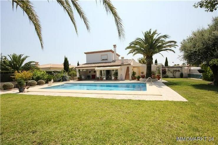 Luxuriöses Villenanwesen mit großem Grundstück nur 1 km vom Meer entfernt - Haus kaufen - Bild 1