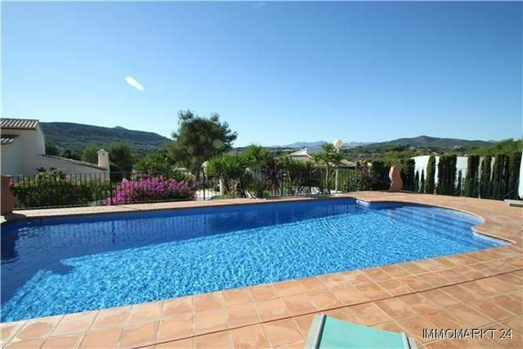 Bild 2: Wunderschöne Villa mit 4 Schlafzimmern in sehr privater Südlage in Javea