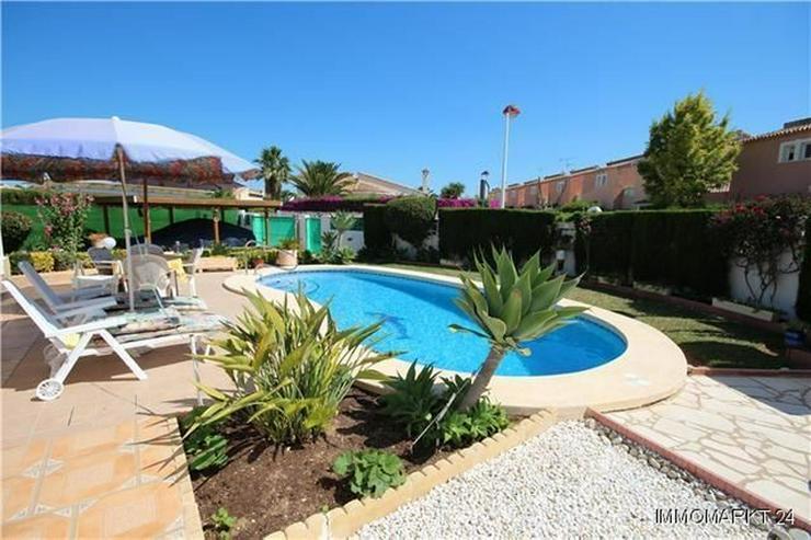 Bild 3: Sonnige, meernahe Villa mit Dachterrasse und Pool