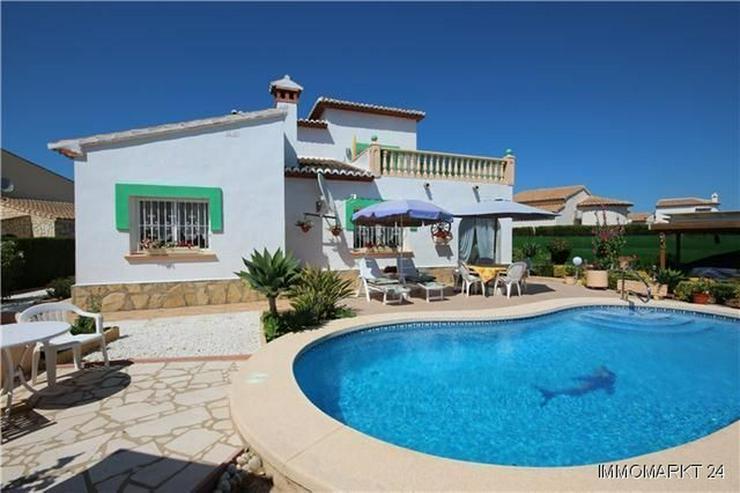 Bild 2: Sonnige, meernahe Villa mit Dachterrasse und Pool
