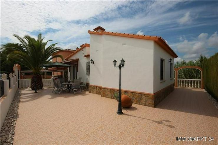 Bild 2: Gepflegte Villa mit 2 Schlafzimmern nur 400 Meter vom herrlichen Sandstrand