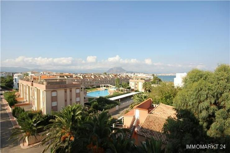 Bild 3: Renovierte Penthouse-Wohnung mit 2 Balkonen nur 150 Meter vom Strand