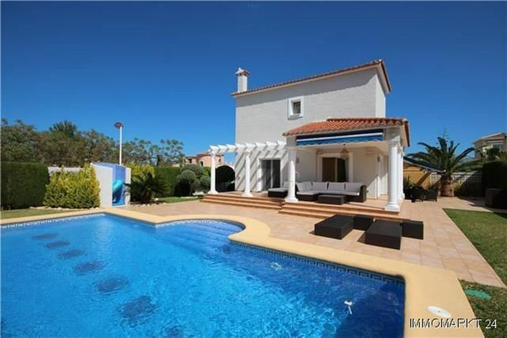 Traumhafte Villa mit Pool nur 600 Meter zum Meer - Haus kaufen - Bild 1