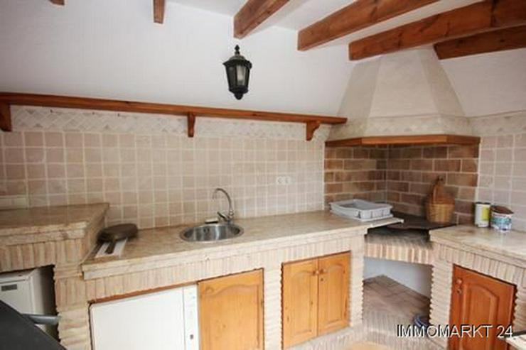 Bild 3: Villa mit Gästewohnung und Garage auf uneinsehbarem Grundstück