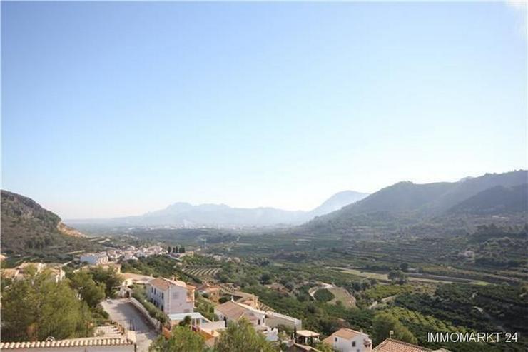 Bild 4: Hochwertig ausgestattete Villa mit zahlreichen Extras in unbeschreiblich schöner Aussicht...