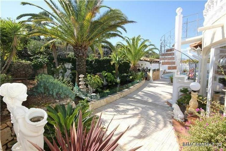 Bild 4: Großzügige Villa mit Pool, Garage, Dachterrasse und einmaliger Aussicht