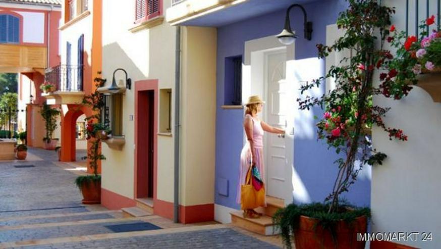 Luxuriöse 3-Schlafzimmer-Erdgeschosswohnungen nur 120 m vom Hafen