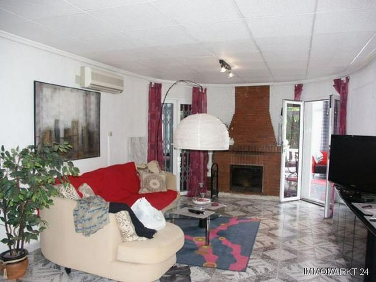 Bild 3: Villa mit Pool, Garage und Sommerküche