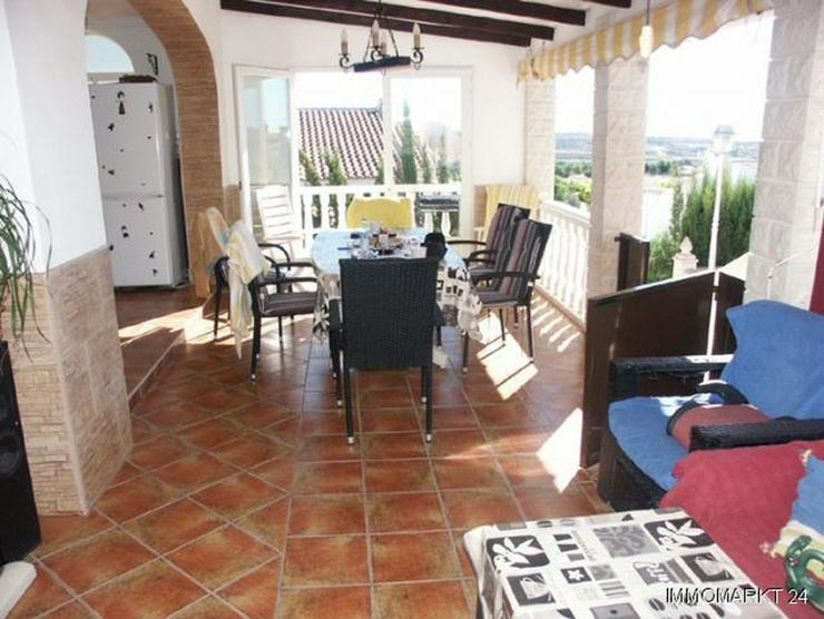 Bild 2: Großzügige Villa mit Pool und Gästeappartement