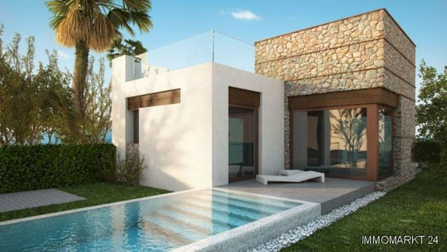 Moderne 3-Zimmer-Villen mit Privatpool in wunderschöner Golfanlage - Haus kaufen - Bild 1