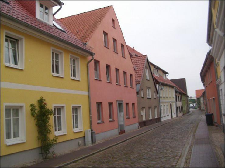 Bild 2: Zweizimmerwohnung mit Terrasse und Hafenblick