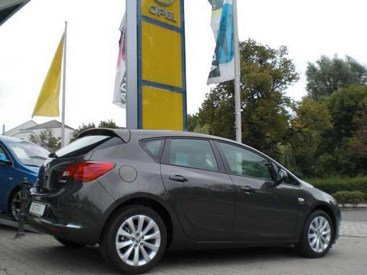 Bild 4: OPEL Astra 1.4 Parkpilot - Sitz-/Lenkradhzg, Klimaautomatik