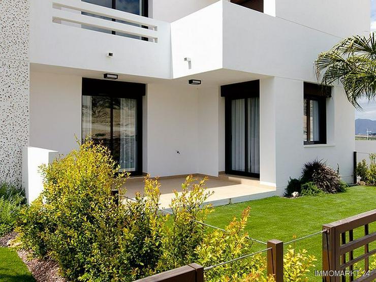 Moderne Erdgeschoss-Appartements mit Gemeinschaftspool in sehr schöner Golfanlage - Bild 1