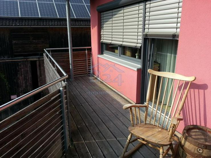 Bild 3: Saniertes Einfamilienhaus mit drei Lagerhallen