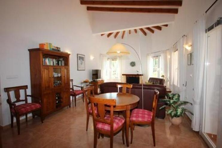 Bild 6: Sonniger Wohngenuss mit 4 - 5 Schlafzimmern, Carport und Meerblick