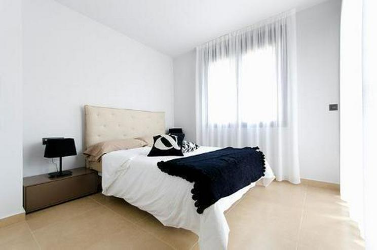 Bild 6: Moderne Obergeschoss-Appartements mit Gemeinschaftspool in sehr schöner Golfanlage
