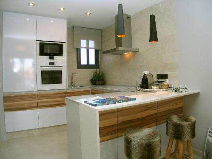 Bild 6: Moderne Obergeschoss-Appartements in abgeschlossener Anlage mit Gemeinschaftspool