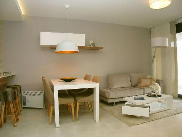 Bild 5: Moderne Obergeschoss-Appartements in abgeschlossener Anlage mit Gemeinschaftspool