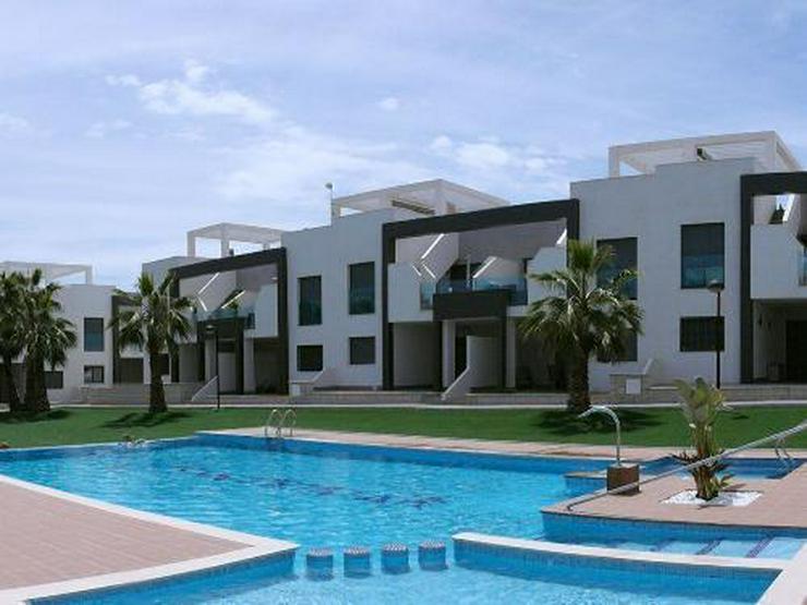 Moderne Obergeschoss-Appartements in abgeschlossener Anlage mit Gemeinschaftspool - Wohnung kaufen - Bild 1