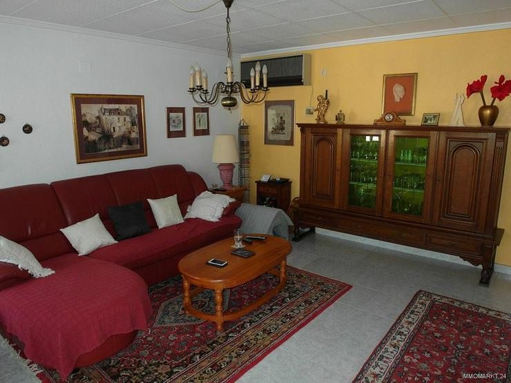 Bild 4: Sehr gepflegte Villa mit 2 Wohnzimmern und schönem Ausblick auf Grünzone