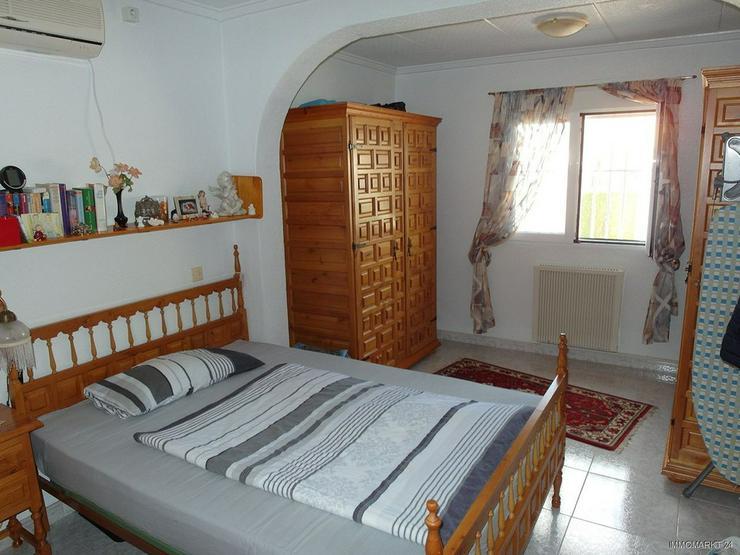 Bild 6: Sehr gepflegte Villa mit 2 Wohnzimmern und schönem Ausblick auf Grünzone