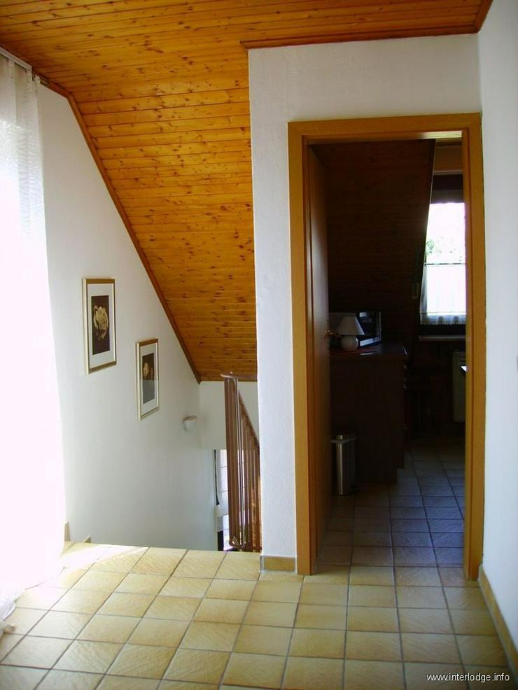 Bild 4: INTERLODGE Modern möblierte 2-Zi.-Whg mit separatem Eingang und Balkon in bevorzugter Woh...