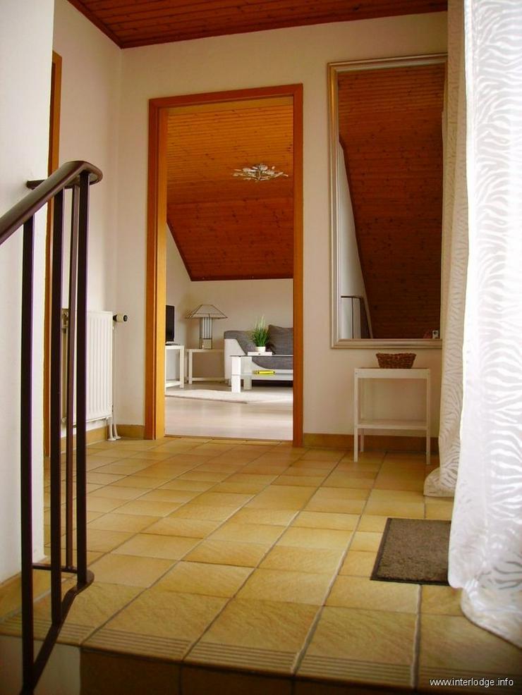 Bild 5: INTERLODGE Modern möblierte 2-Zi.-Whg mit separatem Eingang und Balkon in bevorzugter Woh...