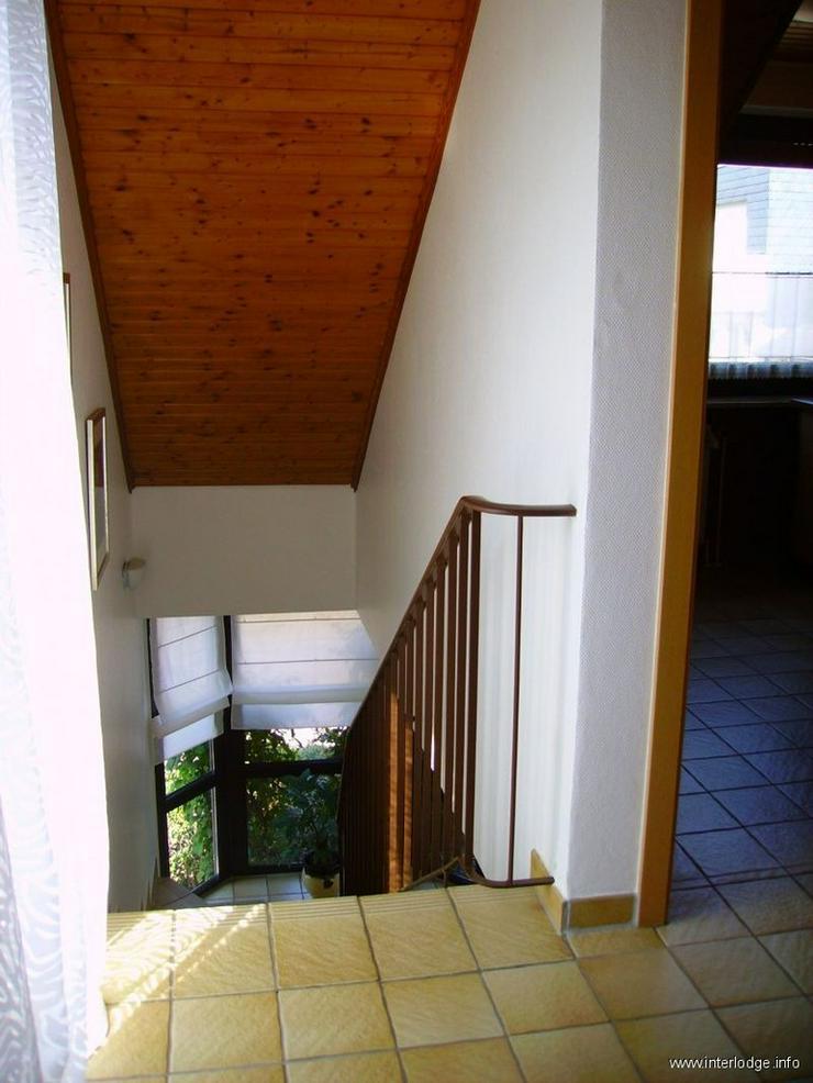 Bild 3: INTERLODGE Modern möblierte 2-Zi.-Whg mit separatem Eingang und Balkon in bevorzugter Woh...