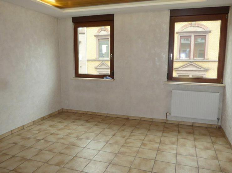 **Zentral gelegene 3 Zi.- Whg in Pf. Nord, Teilsaniert, . Zentral-Fußbodenheizung**im 4 F... - Wohnung kaufen - Bild 1
