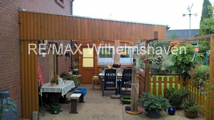Bild 2: REMAX bietet an: Zwei gepflegte Doppelhaushälften in Einem